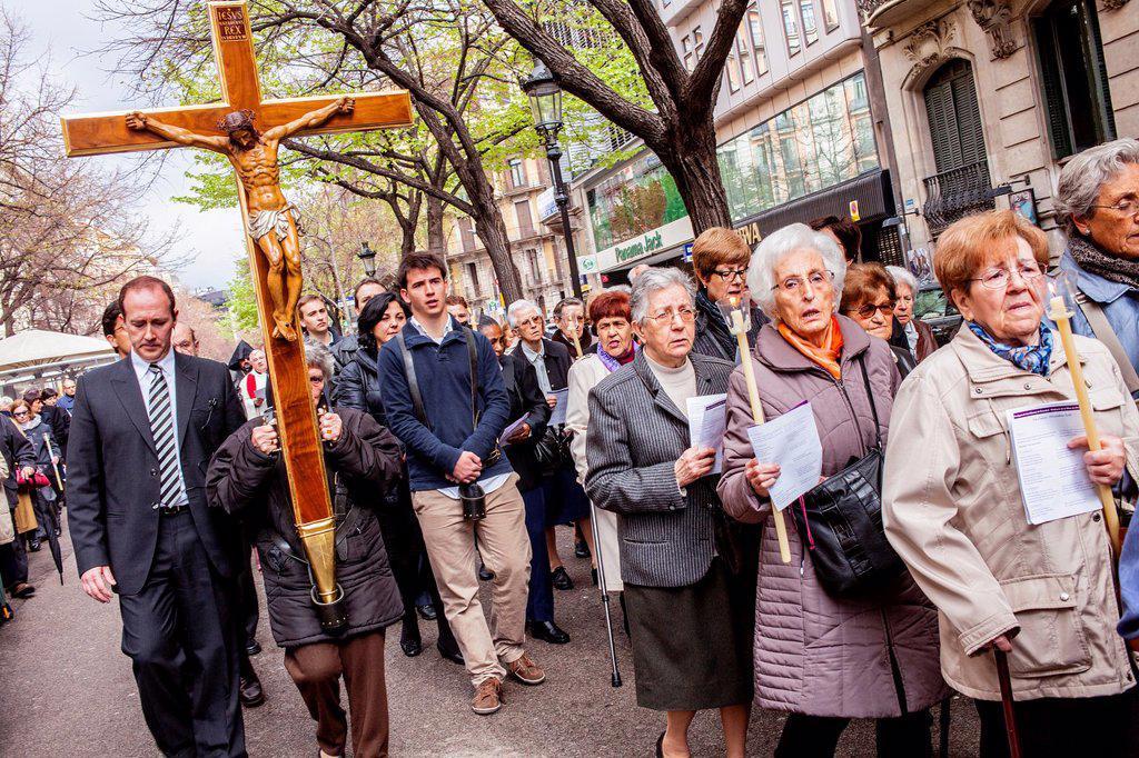 Stock Photo: 1566-992075 Representation, Way of the Cross, Good Friday, Easter week, from church of Sant Ramon de Penyafort to church of la Mare de Deu dels Angels, Rambla Catalunya, Barcelona, Catalonia, Spain