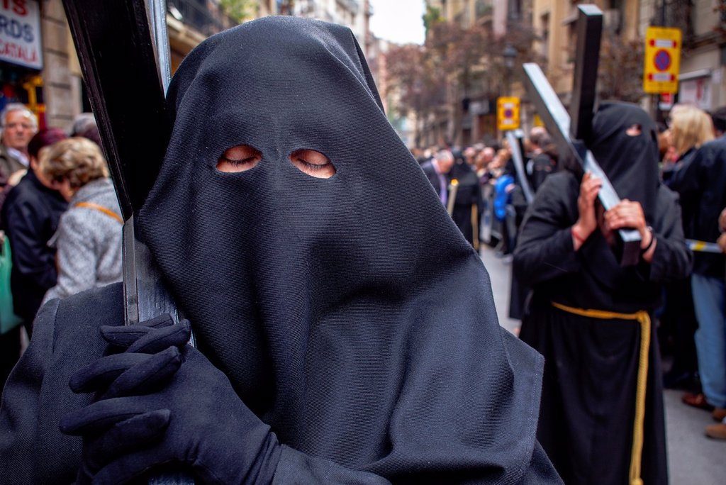 penitents in procession, sisterhood of Jesús del Gran Poder y virgen de la Macarena,Good Friday, Easter week,carrer Hospital,Barcelona, Catalonia, Spain : Stock Photo