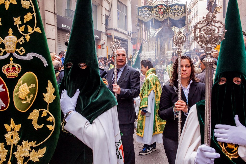 Stock Photo: 1566-992080 penitents in procession, sisterhood of Jesus del Gran Poder y virgen de la Macarena, Statue usually in the San Agustin church, Good Friday, Easter week, carrer Hospital, Barcelona, Catalonia, Spain