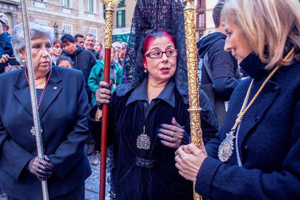 Stock Photo: 1566-992084 Penitents in procession, sisterhood of Virgen de las Angustias,Good Friday, Easter week,plaza Sant Jaume,Barcelona, Catalonia, Spain