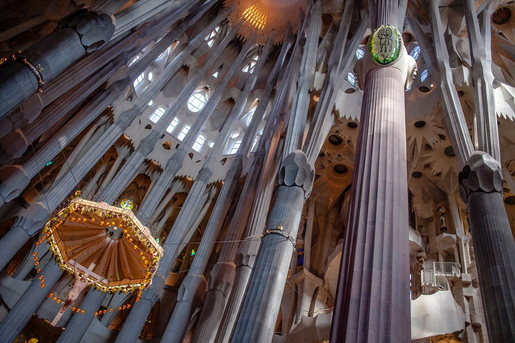 Stock Photo: 1566-992090 Interior of Basilica Sagrada Familia,apse, Barcelona, Catalonia, Spain