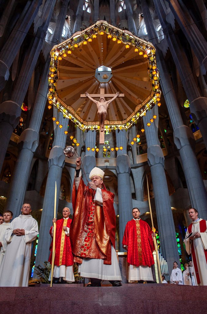 Stock Photo: 1566-992125 Bishop blessing the palms,mass,Palm Sunday Interior of Basilica Sagrada Familia, Barcelona, Catalonia, Spain