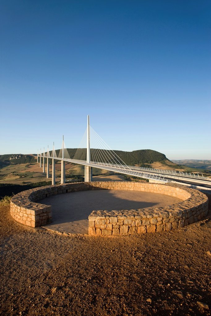 Stock Photo: 1566-992857 VIADUCT DE MILLAU AUTOROUTE 75 LA MERIDIEE MASSIF CENTRAL AVEYRON FRANCE