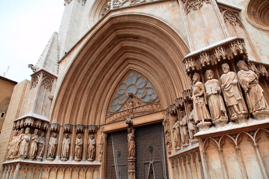 Stock Photo: 1566-993243 Details of the facade of the Cathedral of Tarragona, Spain, Europe