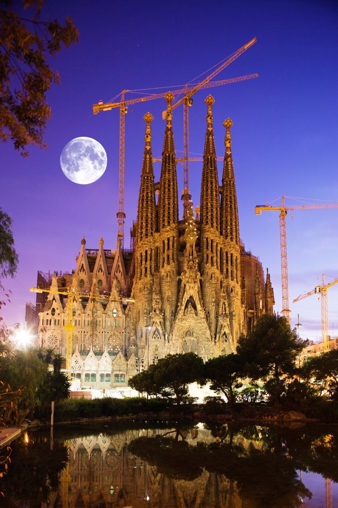 Stock Photo: 1566-993383 SAGRADA FAMILIA BARCELONA CATALUNYA SPAIN