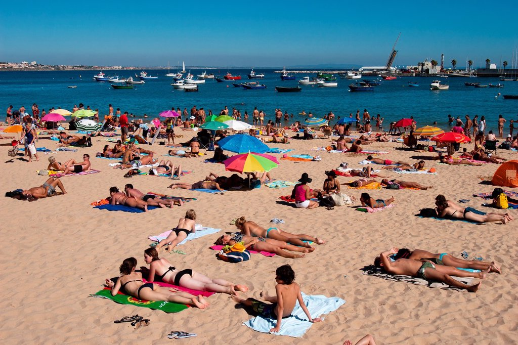 Stock Photo: 1566-993649 Praia dos Pescadores, Cascais, Portugal