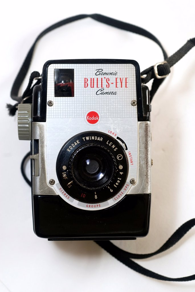 A Kodak Brownie Bulls-Eye camera dating from the 1950´s The camera uses the now discontinued 620 size film : Stock Photo