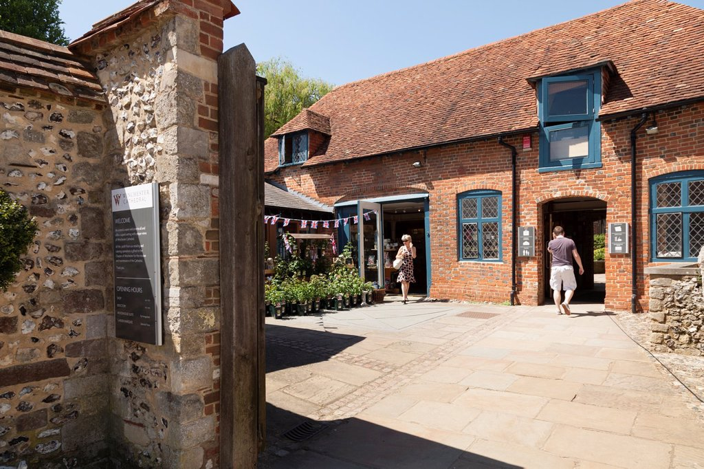 Stock Photo: 1566-996528 Winchester Cathedral shop and cafe