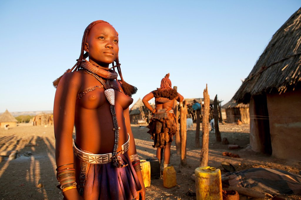 Stock Photo: 1566-996948 Himba tribe in Namibia