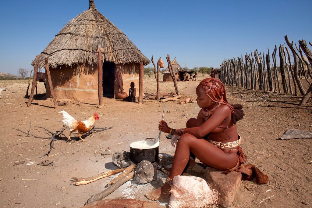 Stock Photo: 1566-996966 Himba tribe in Namibia