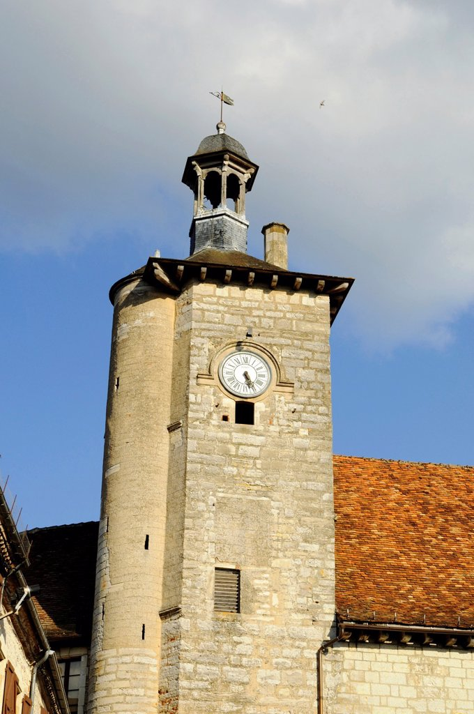 Stock Photo: 1566-998605 France, Quercy, Lot, Martel, Square of the Consuls, the clock tower of the palace