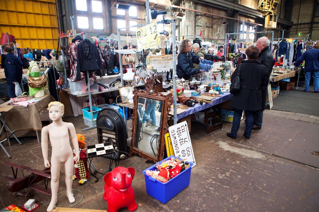 Stock Photo: 1566-998697 second hand market in the ´IJhallen´ in Amsterdam-north