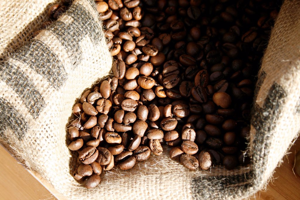 Stock Photo: 1566-998807 sack full of coffee beans
