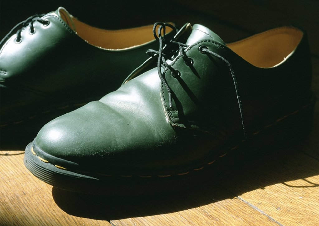 Pair of man´s dress shoes : Stock Photo