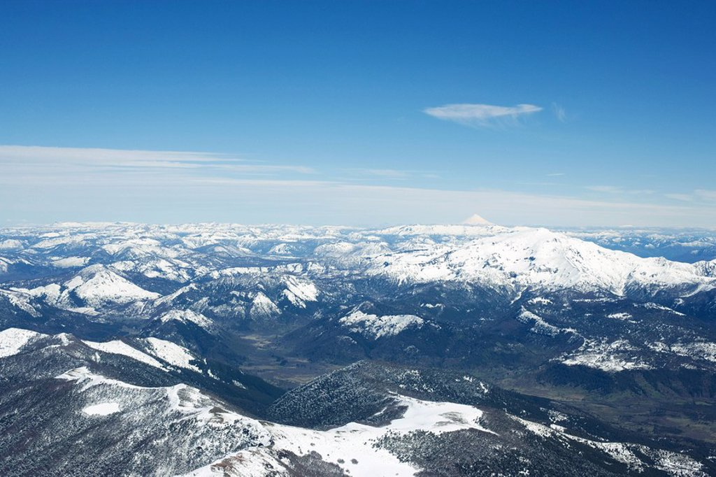 Snow-capped mountain range : Stock Photo