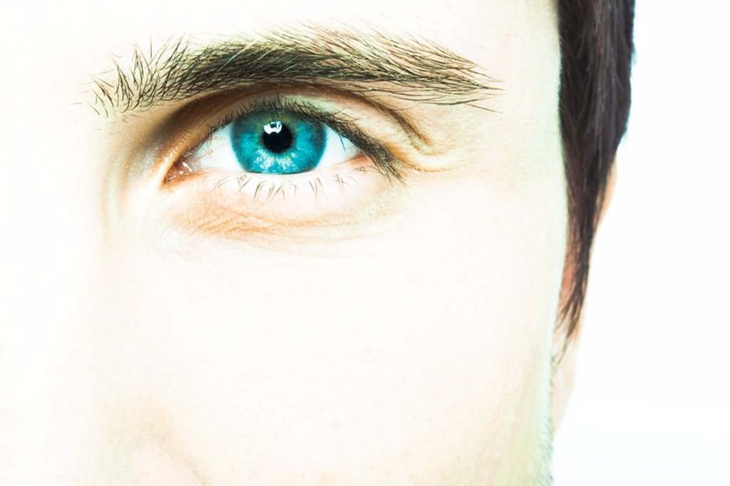 Young man´s eye, extreme close-up : Stock Photo