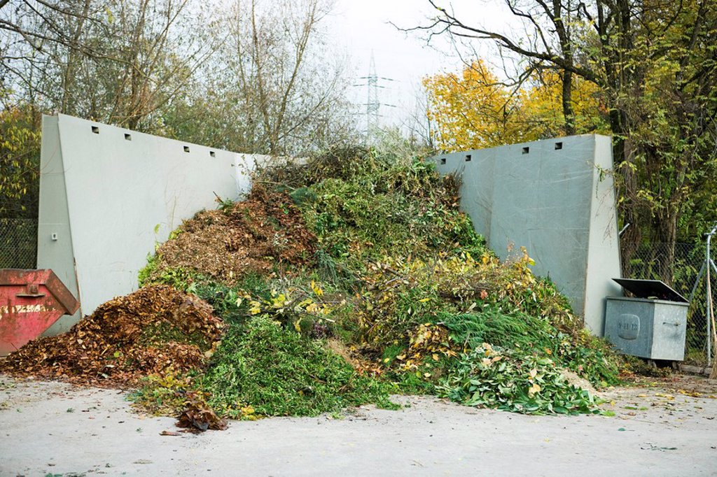 Stock Photo: 1569R-9065188 Large pile of compost