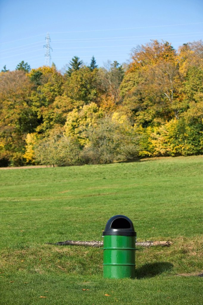 Garbage can in park : Stock Photo