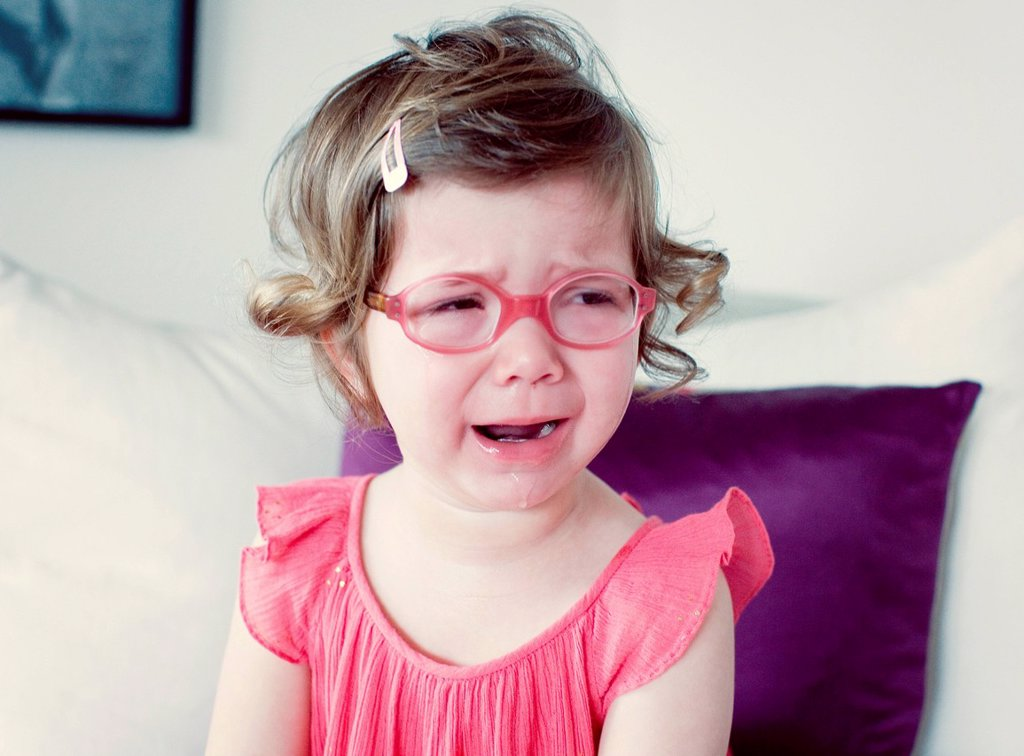 Little girl crying : Stock Photo