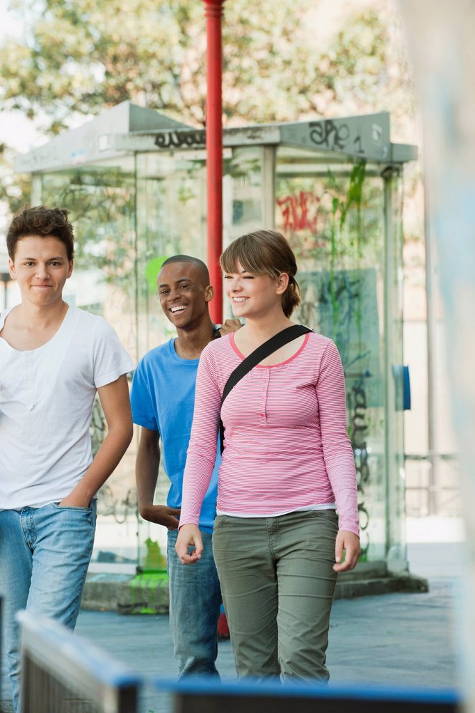Stock Photo: 1569R-9070988 Young people hanging out together