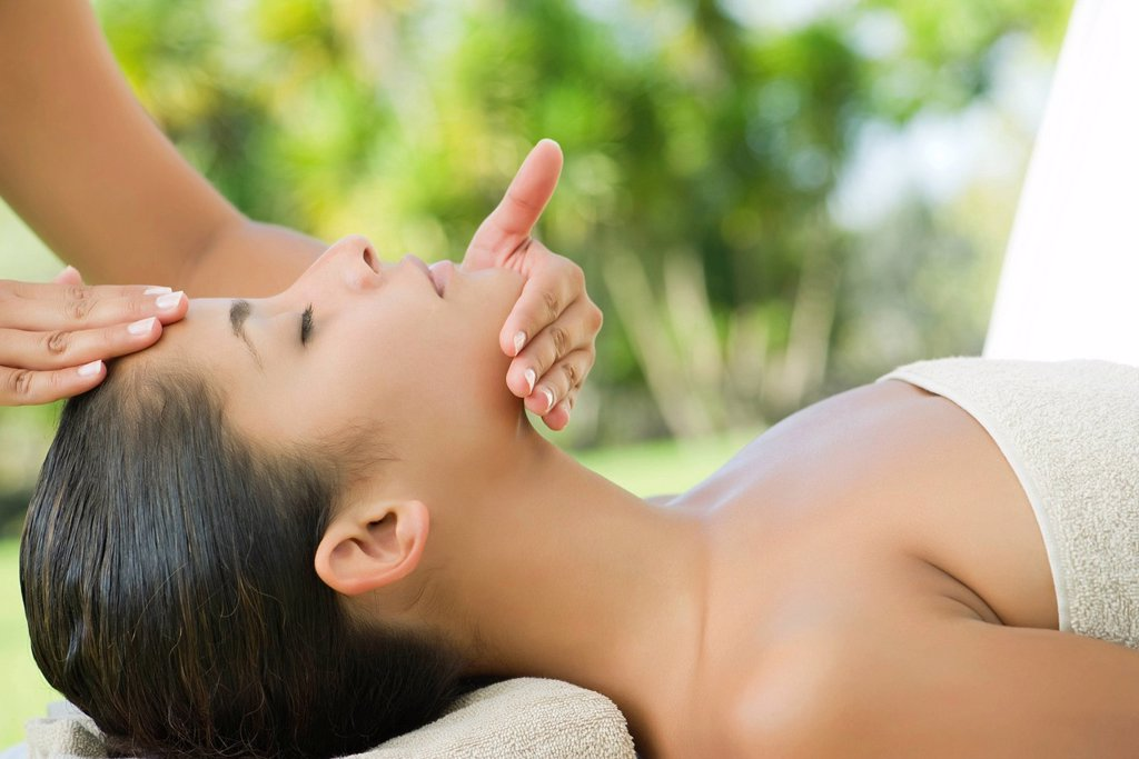 Stock Photo: 1569R-9073262 Woman getting a face massage