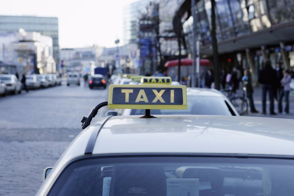Stock Photo: 1570R-01087 Taxi, Berlin, Germany