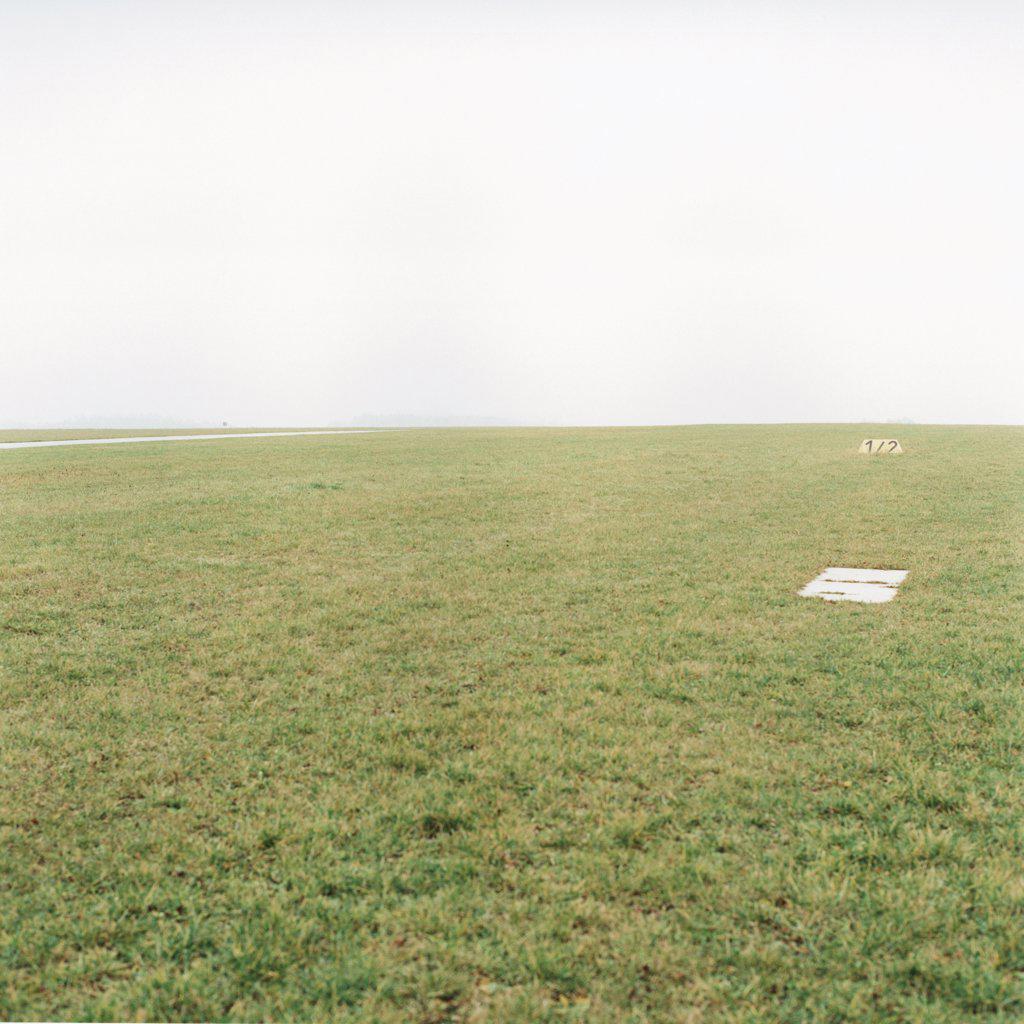 Stock Photo: 1570R-0719 A grass field