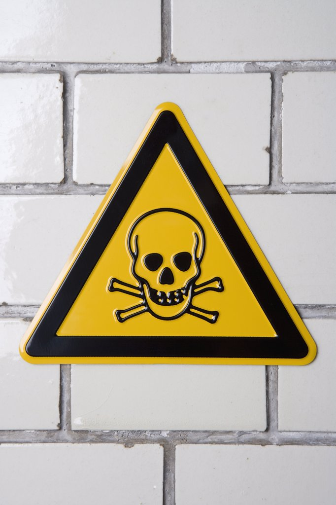 Stock Photo: 1570R-115270 Toxic substance sign with skull and crossbones