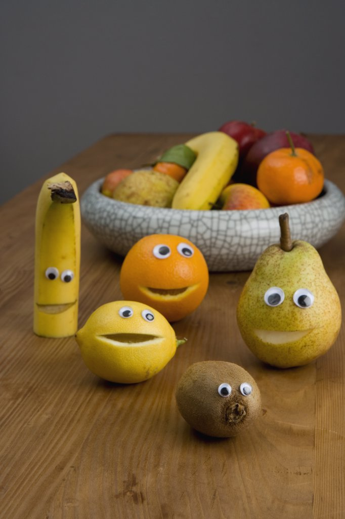 Stock Photo: 1570R-122844 Smiley faces on fruit