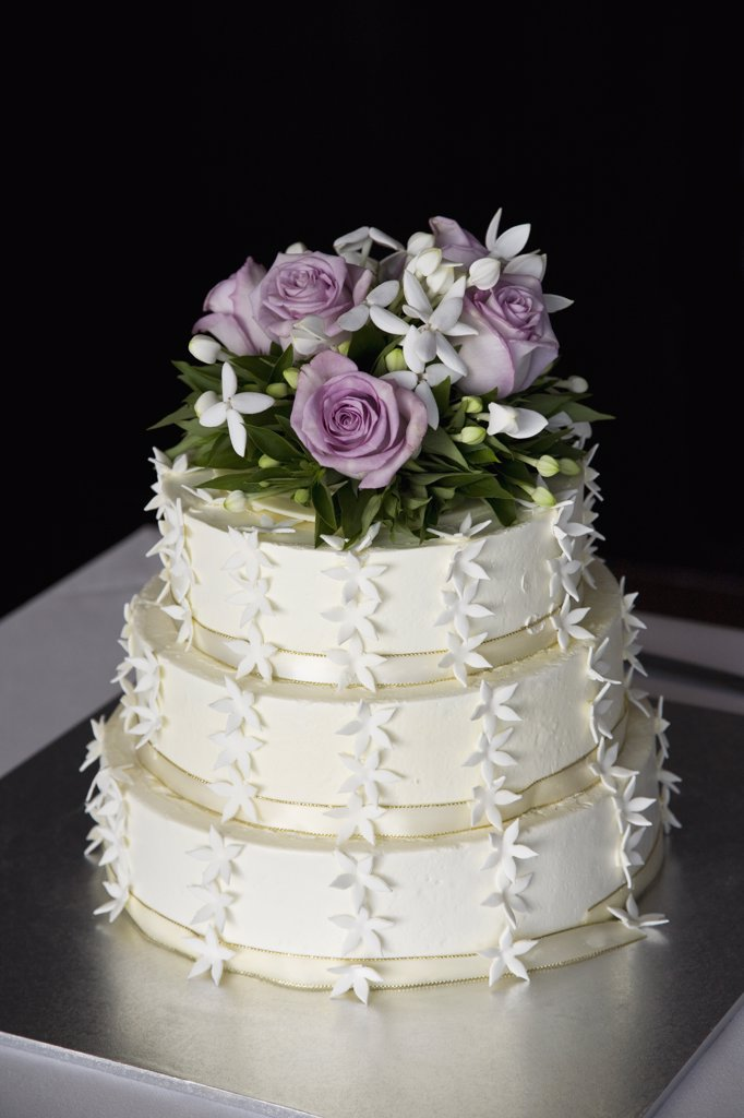 A tiered wedding cake : Stock Photo