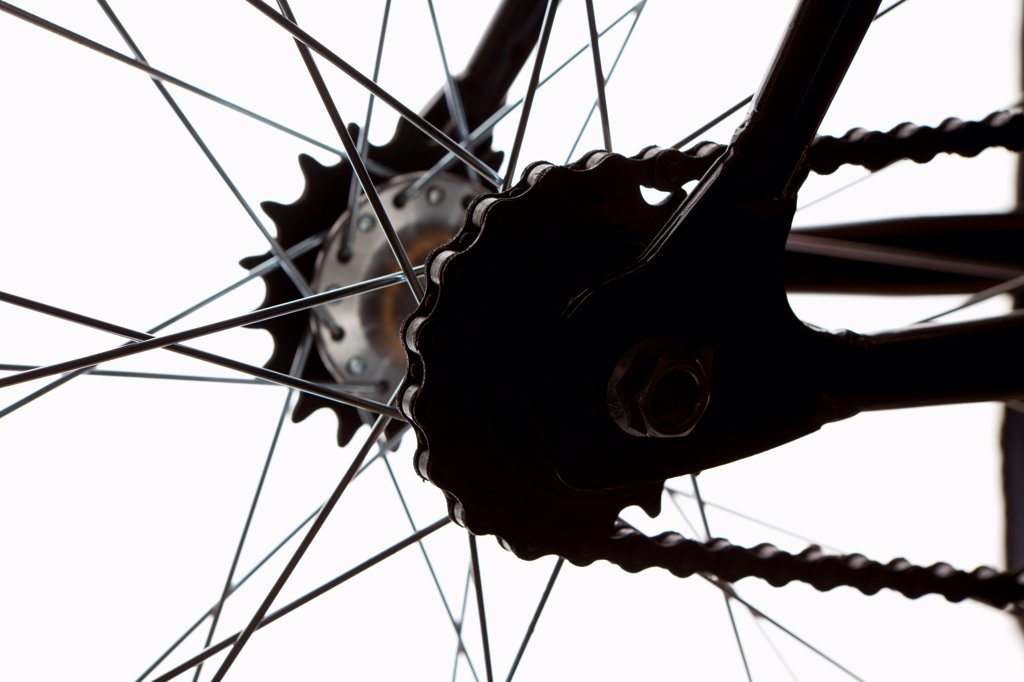 Stock Photo: 1570R-140615 Extreme close up of chain and spokes