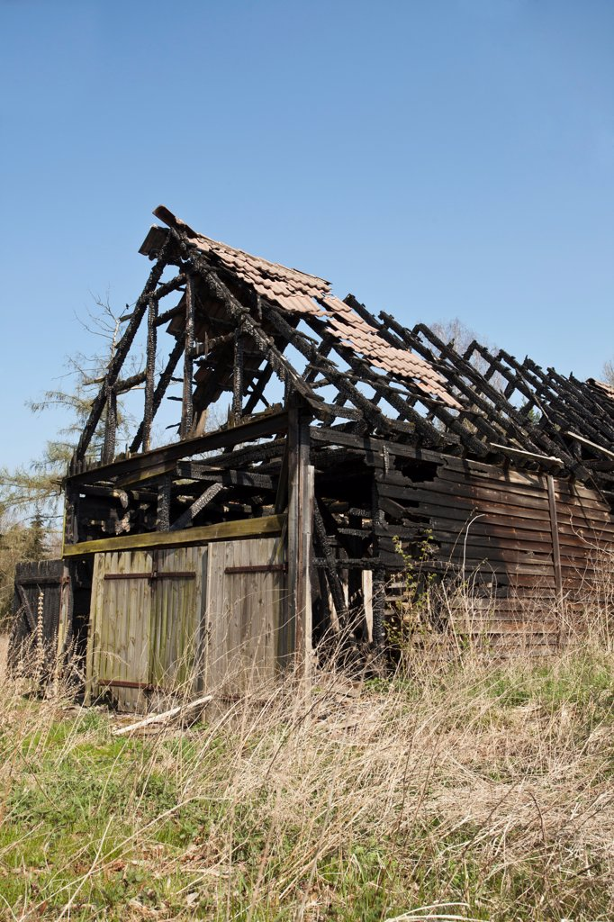 Stock Photo: 1570R-140943 Burnt barn