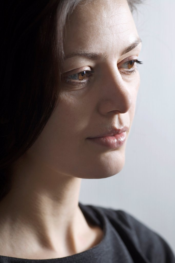 Stock Photo: 1570R-141039 A woman looking away
