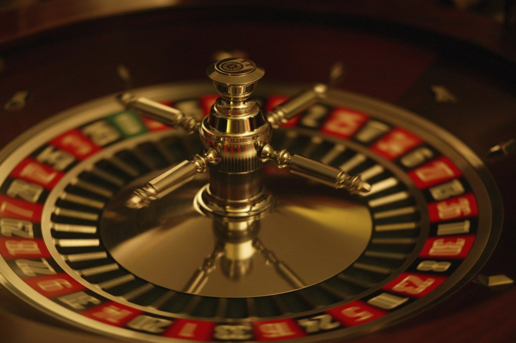 Stock Photo: 1570R-50030 A roulette wheel