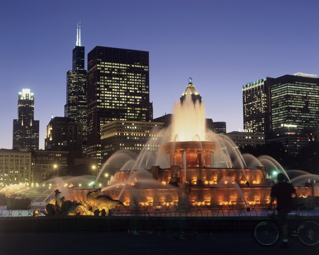 Stock Photo: 1574R-013151 Buckingham Fountain