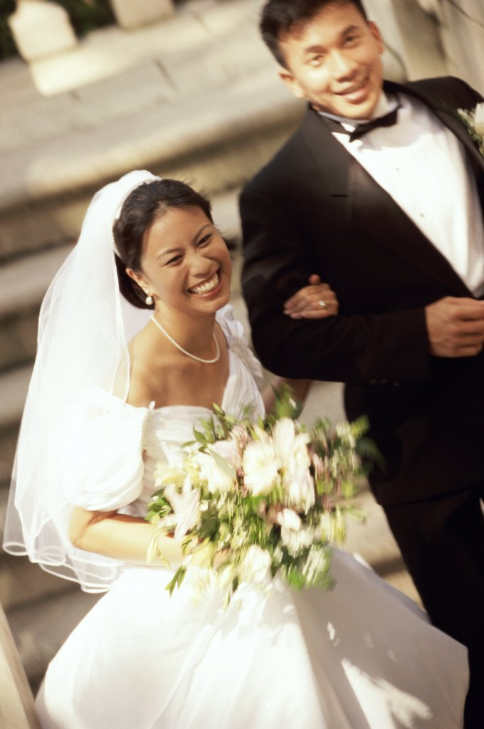 High angle view of a newlywed couple : Stock Photo