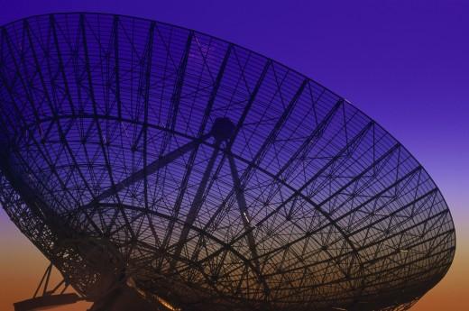 Stock Photo: 1574R-21955 Radio telescope