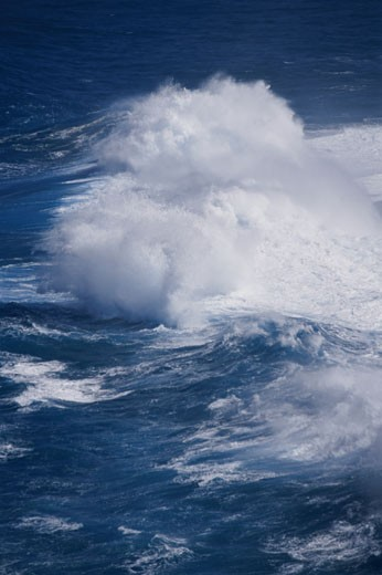 Stock Photo: 1574R-22198 Breaking waves, Kauai, Hawaii, USA