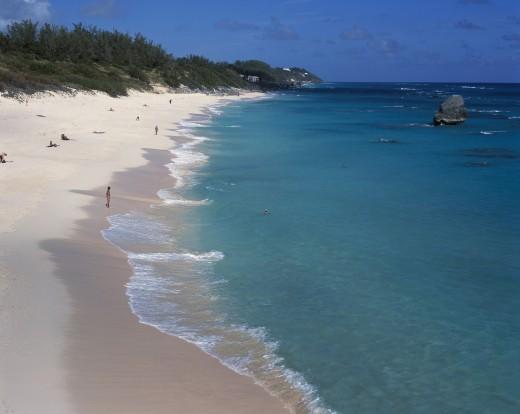 High angle view of tourists on the beach, Chaplin Bay, Bermuda : Stock Photo