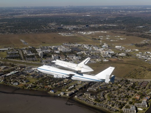 Stock Photo: 1574R-35116 Space Shuttle Endeavour mounted on a modified Boeing 747 shuttle carrier aircraft