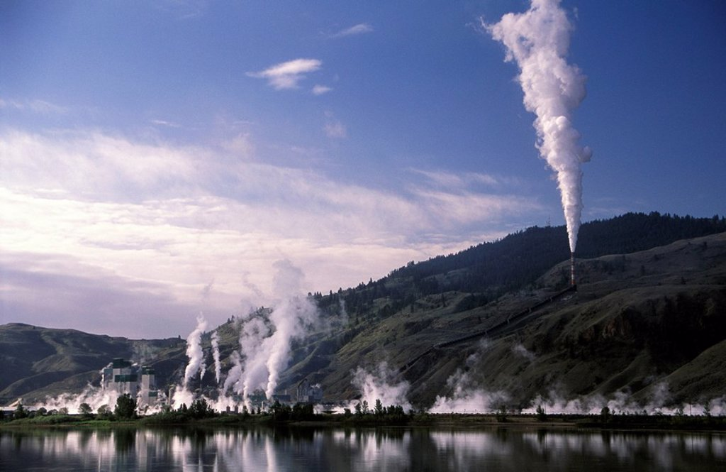 Weyerhauser pulp plume, Kamloops, British Columbia, Canada : Stock Photo