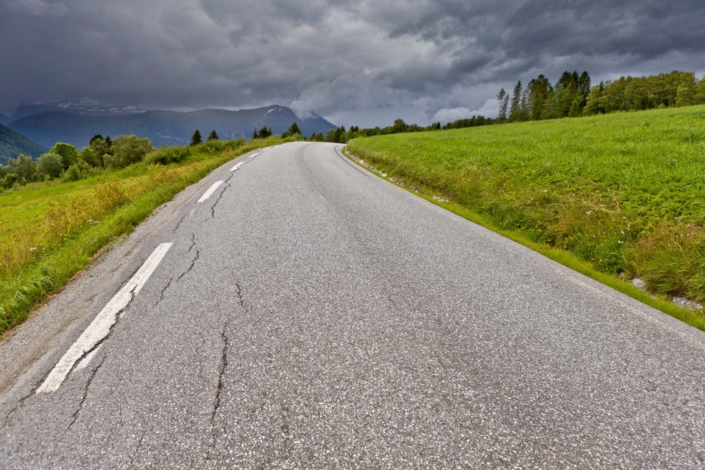Stock Photo: 1580-742 Norway, Country road