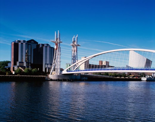 Stock Photo: 1581-150 Bridge across a river, Lowry Centre Footbridge, Salford Quays, England