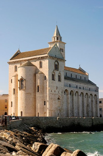 Cathedral on the waterfront, Norman Cathedral, Trani, Italy : Stock Photo