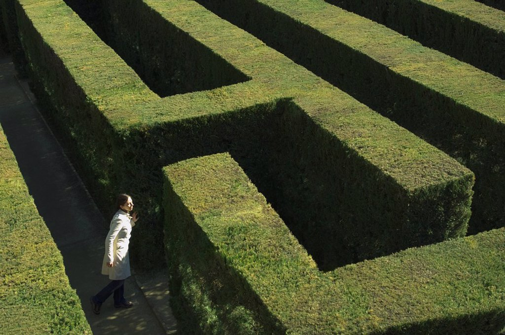 Stock Photo: 1589-67827 High angle view of woman in labyrinth