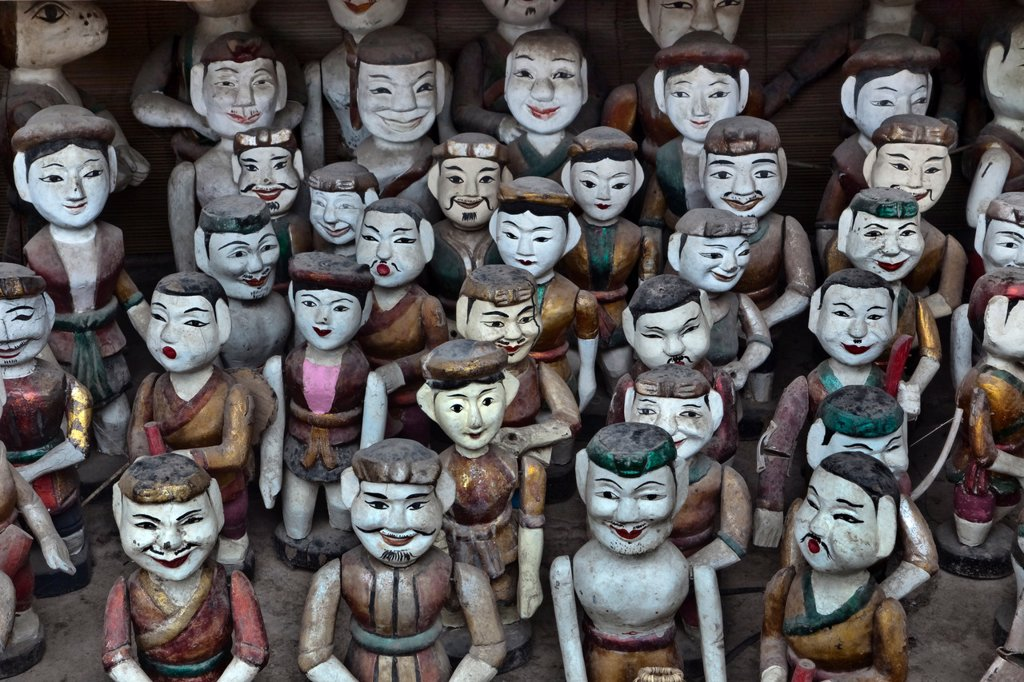 Stock Photo: 1589R-135806 Rows of Vietnamese puppet figures