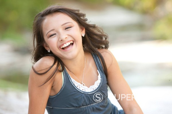 Stock Photo: 1589R-147864 Smiling Asian American girl