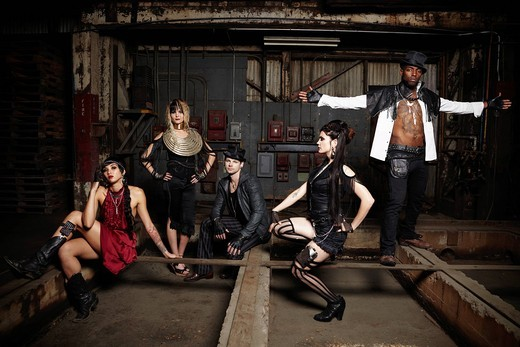 Stock Photo: 1589R-148024 Trendy friends in warehouse