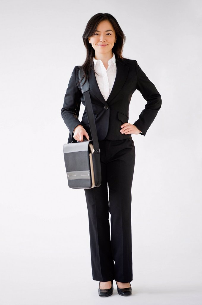 Stock Photo: 1589R-160068 Japanese businesswoman carrying briefcase