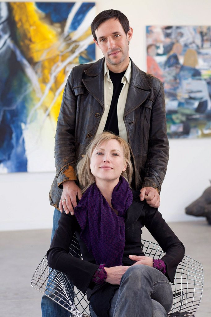 Stock Photo: 1589R-164292 Couple together in art gallery